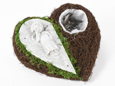 Posoda srce s ploščico/mahom